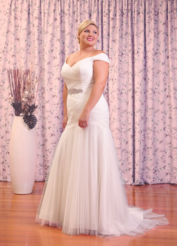 Essense Of Australia Plus Size D1802 Wedding Dress