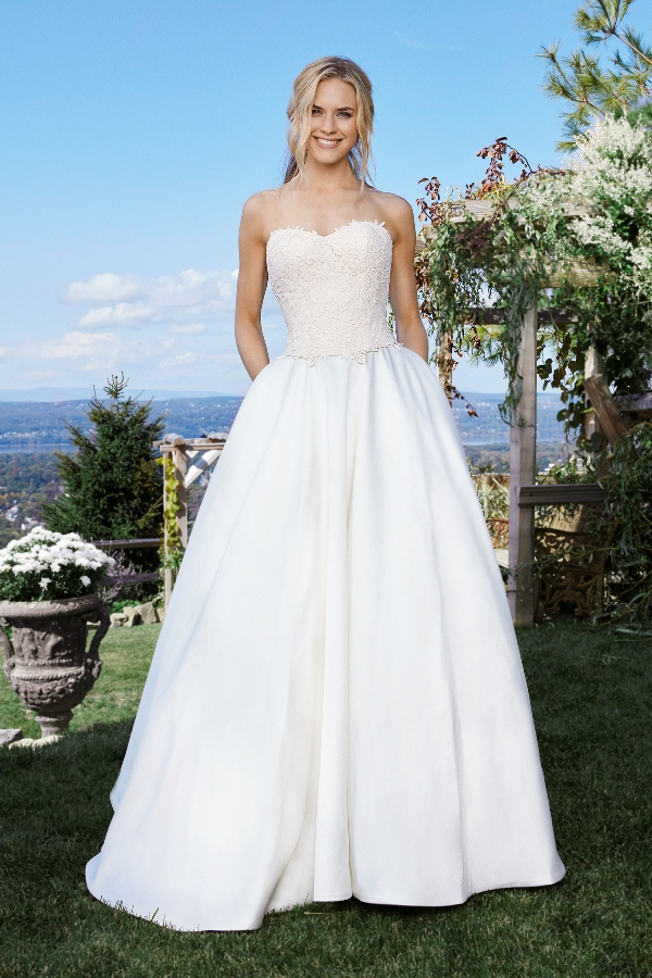 Wedding Gowns On Sale: Lillian West 6440