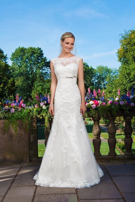 Sincerity Bridal Wedding dress Plus size 3871